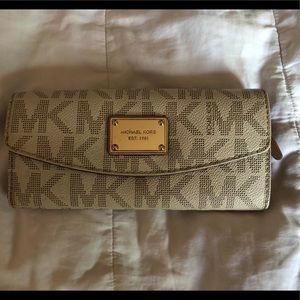 Michael Kors Wallet with MK Print in Cream